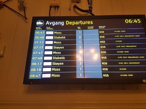 Utvidet tilbud: Togavgangene fra Ås stasjon mandag morgen.