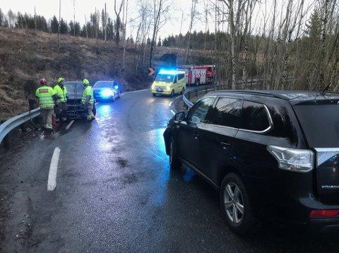 Trafikkulykke i Kongeveien i Ås i november 2017, heldigvis uten store personskader.