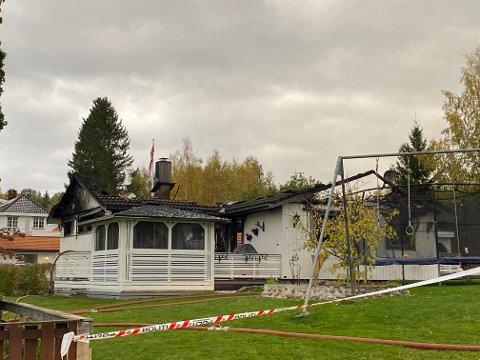 Eneboligen er totalskadet etter brann natten til fredag.