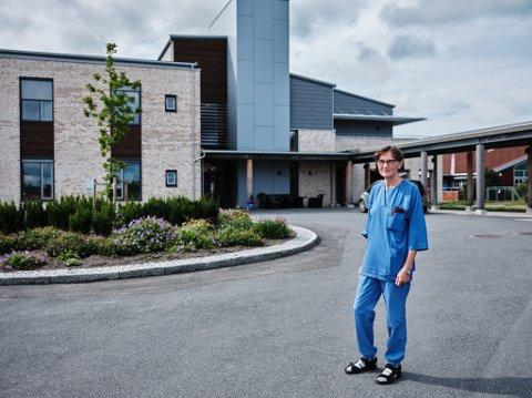 Karin Sikveland er en av tre avdelingssykepleiere som har sagt opp jobben ved Moertunet sykehjem i sommer.