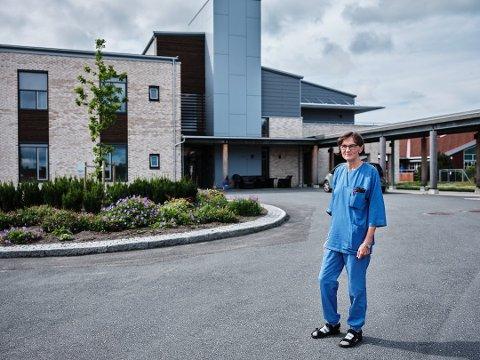 SIER OPP: Karin Sikveland er en av sykepleierne som har sagt opp ved demenssenteret Moertunet.
