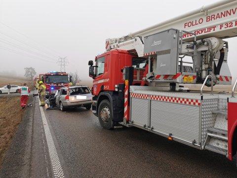 De to involverte bilene fikk omfattende skader i sammenstøtet. Foto: Tormod Malvin Sæther