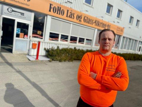 ADVARER: Truls Sørensen og Follo Lås og Glass-sikring advarer mot det omreisende låsesmed-firmaet som er på ferde i Nordre Follo om dagen.