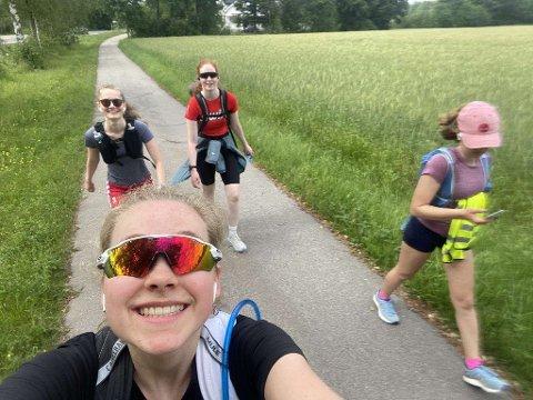 GIKK 9,4 MIL: Bak: Mia Wallestad (17) (t.v.) og Helene Solberg (17). Foran: Guro Haugen (18) og Junie Petzold (17).