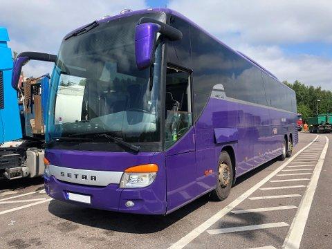 MYE FEIL: For bussjåføren i Ås ble det en lite hyggelig start på dagen. Bussen vedkommende kjørte hadde en hel haug med feil.