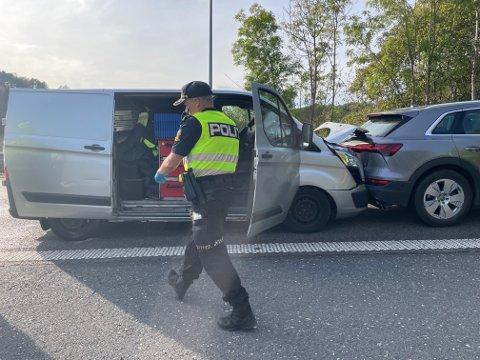 KRASJ: Tre biler var involvert i en trafikkulykke på E6 torsdag ettermiddag.