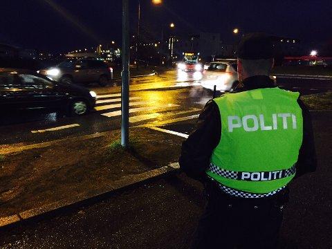 ULYKKE: En mann i 30-årene ble påkjørt av en bil på Fornebu onsdag morgen.