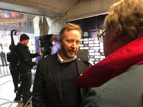 IRRITERT: Storhamar-trener Fredrik Söderström.