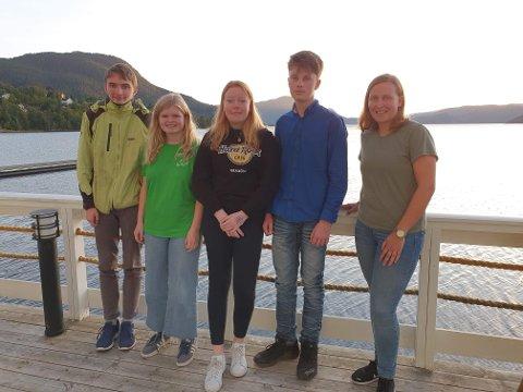 Styret i Tingvoll Senterungdom: Christian Koksvik (f.v.), Dordi Boksasp Lerum, Ida Kanestrøm, Olav Eikrem og Ingrid Waagen.