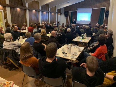 Engasjement: Hele 80 personer møtte til folkemøte om Sunndalsporten i Musgjerd grendahus mandag kveld. Foto: Privat