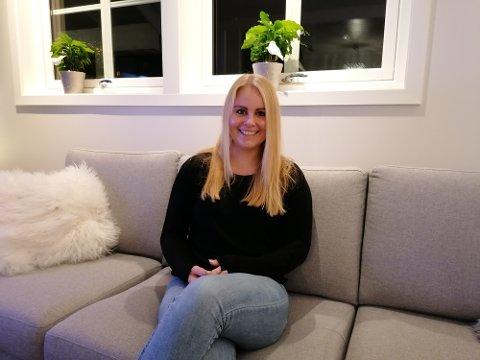 Trives: Ingrid Vermøy trives så godt i det nye hjemmet sitt at hun faktisk kjenner at noe av uroen er borte fra kroppen. –Etter at jeg fikk mitt eget hus, kan jeg faktisk tilbringe en kveld bare med å være hjemme.