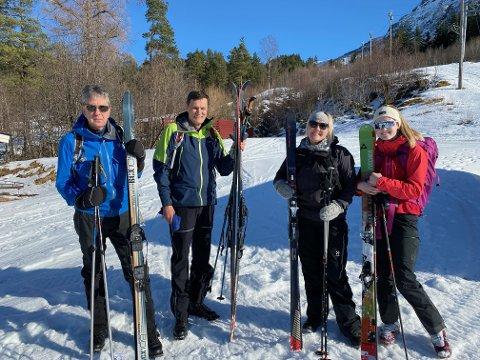 Knut Harald Drøpping og Ole Andre Saue var på vei til Stortuva søndag formiddag, mens Berit Berset og  Ane Bøklep skulle gå til Tempelet.