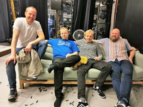 Fornøyd: Jo Inge Nes (t.h.) syntes publikummet på Sunndalsøra var i høyeste grad til stede. Her sammen med resten av musikerne. Fra venstre kapellmester Sindre Klykken, Rune Tylden (tangenter) og Lauritz Skeidsvoll (blåser).