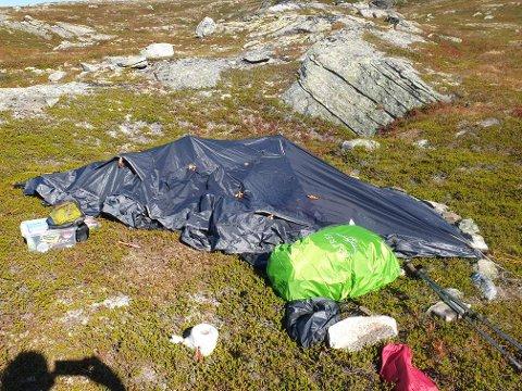 Politiet tror teltet som ble funnet av turgåere i Grødalen søndag, har stått ei god stund.