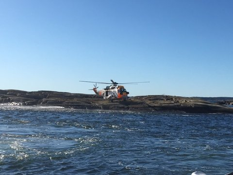 Et Sea king-helikopter bistod på ulykkesstedet.