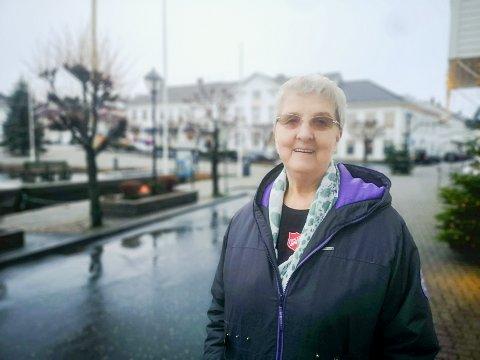 – Det er en god del mennesker som får det en god del bedre på grunn av de matpakkene, sier Gyda Hansen ved Frelsesarmeen.