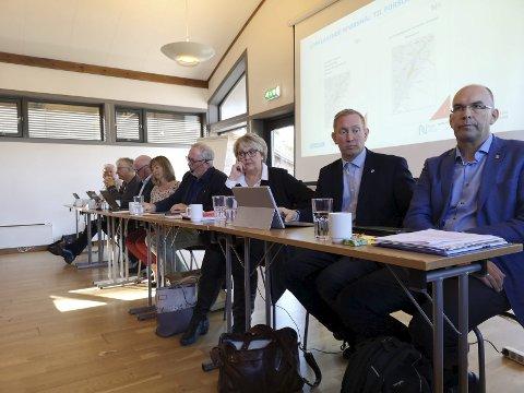 Strandet: Forhandlingene mellom de åtte kommunene i Telemark og Agder og Nye Veier AS strandet fredag, etter at fylkesmannen retter kraftig kritikk mot underlagsrapportene.Foto: HPB