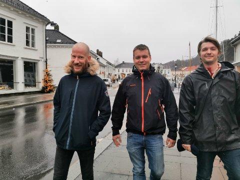 Raymond Sollie, Ola Garthe og Erlend  Omdal håper mange tar turen til hotellet 29.desember, når Risør rockeklubb inviterer til romjulsrock.