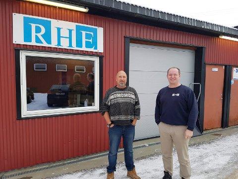 BEDRING?: I fjor fortalte blant annet Jonas Varga og Lars Fredrik Eriksen hos RHE om mobilproblemene på Hestemyr i AAB. Nå kan en løsning på flere år i dekningsskygge være over.