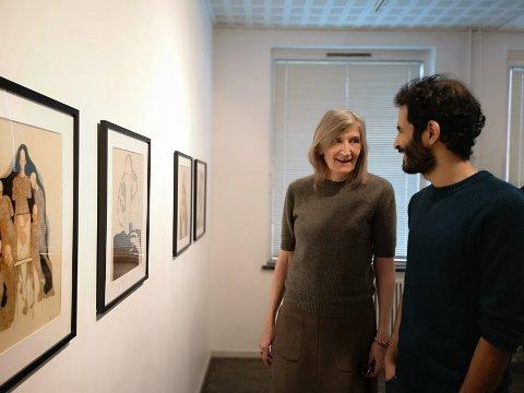 -Kunstparken har vært kjempeviktig for meg, og det har også Anne etter at jeg kom til Risør, sa Imad Alwahibi i sin tale da utstillingen hans åpnet i dag.