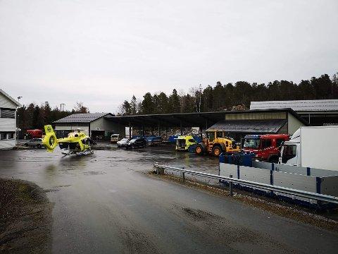 Luftambulansen er på Hestemyr etter en ulykke.