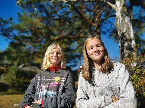 Sara Strand og Ingeborg Børset i 8 C, synes det er bra at politiet informerer om ulovlig deling av bilder blant ungdommer.