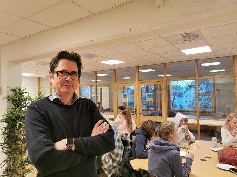 Tillitsvalgt ved Risør videregående skole, Paal Eckhoff Salvesen mener avgjørelsen som ble tatt i går, er forkastelig.