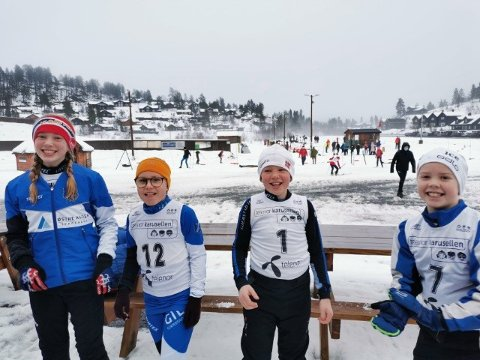 (f.v) Anne Eskeland (11) Ingrid Amalie Aasbø (10) Anders Eskeland (9) og Ole Johan Øybekk (10) deltok i helga i skiskyting å Bortelid.