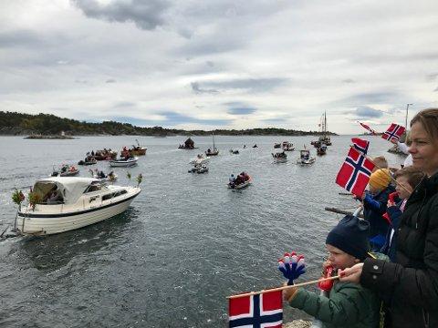 BÅTPARADE: Fjorårets 17.mai-feiring i Risør ble blant annet gjennomført med en båtparade. Nå anmoder Per Kristian Lunden komiteen om at også årets feiring må belage seg på å ha smittevern som førsteprioritet. Det samme vil sannsynligvis gjelde i Gjerstad.