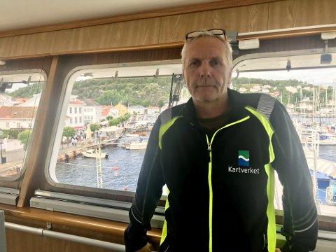 Skipsfører Cato Hagestande på M/S Hydrograf leder et mannskap som gjør våre farvann tryggere.