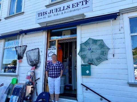 Solfrid Pedersen på Ths Juells Eftf forteller at butikken har hatt utleiebåter så lenge den har vært i drift. I sommer har båten vært utleid nesten hele tiden.