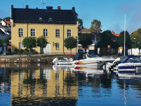 – Det viste seg at det å leie ut Tollboden under de forutsetningene bystyret krevde var lite fristende for eventuelle leietakere, opplyser kommunedirektør Trond Aslaksen.