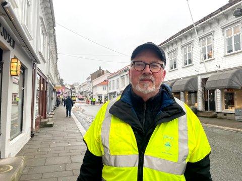 Ordfører Per Kristian Lunden forteller at mange har vært på tilbudssiden etter brannen i går. Nå har imidlertid alle funnet seg en plass å bo.