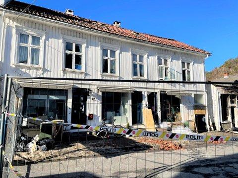 Slik ser Embla-butikken ut etter brannen. Asta Gautland Andersen regner ikke med at de kan flytte tilbake med det første.