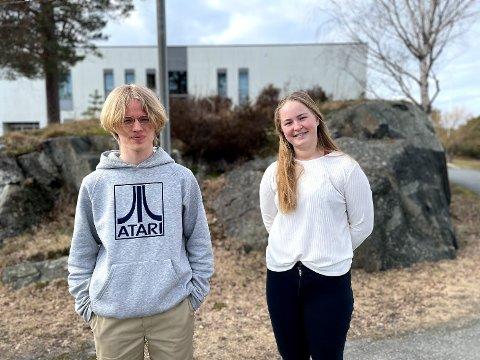 Elevrådsleder Viktor Kildahl og nestleder Pia Røysland Henriksen mener at havbadernes nye badstue er positiv for alle byens generasjoner.