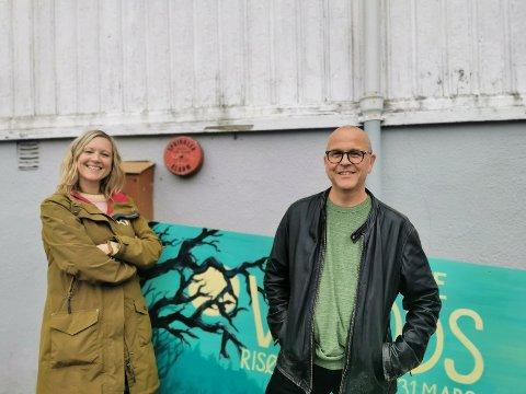 Sharon Gløersen og Ola Sigmundstad gir seg etter 13 år i Risør ungdomsteater. Nå håper de noen vil ta over, og oppfordrer interesserte til å ta kontakt.