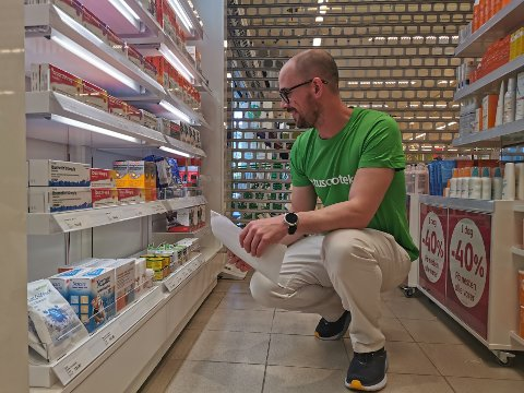 Risør får nå et risøreid apotek igjen, noe eier Bjørn Krabbesund syns er viktig.