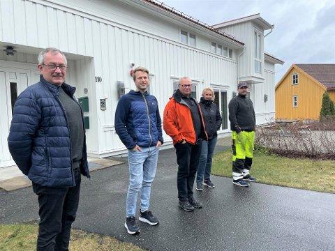 Arne Gryting i AGH Engineering, Svend Hoel Lunden og Hans Lunden i Akontroll AS, Gunvor Vika i SMP og Lars Erik Christensen i Haugholt Anlegg's service AS har alle kontorer i banken på Brokelandsheia.
