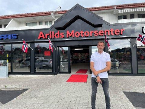 Butikksjef Niclas Øhlin har lang erfaring med å drive butikk. Det er han som nå har ansvaret for den helt nye butikken på Brokelandsheia.