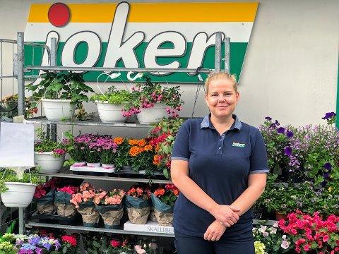 Ida Hognerud, assisterende butikksjef på Joker Hopestrand.