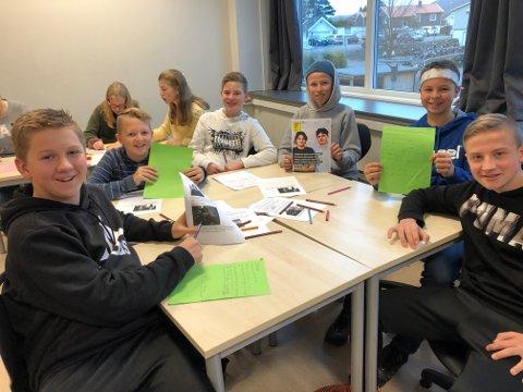 ENGASJERTE: Denne guttegjengen viste, i likhet med resten av klassen, stort hjerte og engasjement i brevaksjonen.