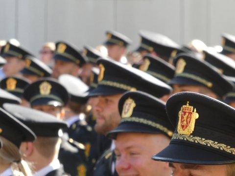 Av om lag 700 nyutdannede politifolk fra juni 2019 er det fortsatt flere hundre som ikke har fått noen jobb. Det er også politifolk fra forrige års ferdige kull (2018) som fortsatt ikke har fått seg arbeid.