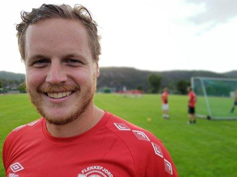 TAKK FOR MULIGHETEN: Øyvind Maude Nedland er takknemlig for at han fått trene klubben han er så glad i.