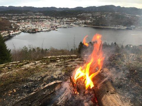 VIKTIG: Noen av de viktige friluftsområdene for Flekkefjord er turmarka på begge sider av sentrum. Her fra Tjørsvåg/ Svege siden av byen.