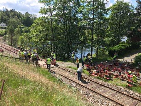 Flere personer var i en ulykke mellom to dresiner ved Loga i Flekkefjord onsdag formiddag. Foto: Svein Løvland