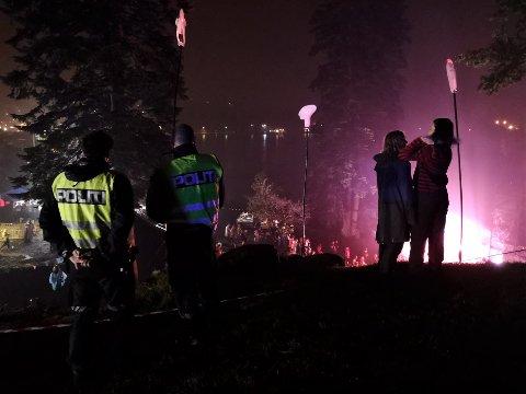 GOD STEMNING: Politiet lot seg rive med da Valentourettes dro gamle Jokke-slagere.