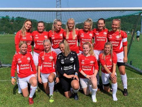 VIDERE: Denne flotte gjengen med Flekkefjordspillere er klar for 16-delsfinale i Norway Cup etter å ha danket ut samtlige lag i puljen sin.