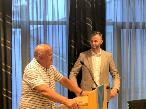 TAKK FOR MEG: Hans Sandvand takket både velgere og politiske kolleger etter mange år i politikken.