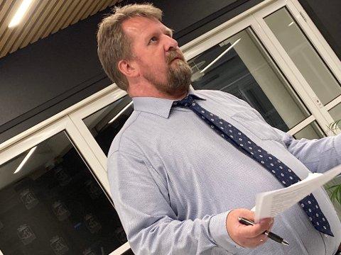 FØLGER MED: Smittenivået sørover i fylket er stigende. Flekkefjord-ordfører Torbjørn Klungland sier kommunen følger nøye med på situasjonen. Det er pr. nå ikke innført spesifikke tiltak knyttet til reising til andre kommuner.