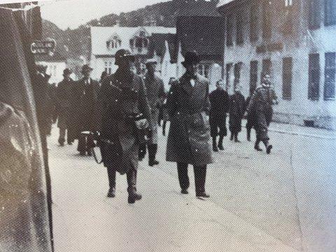 FØRSTE SOLDATER: De aller første tyske soldater kom til Flekkefjord mandag 15. april, med lastebiler fra Egersund.
